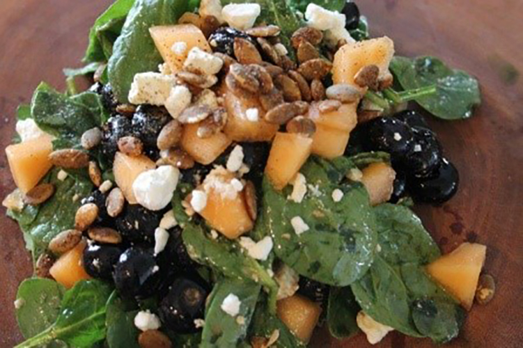 blueberry cantaloupe and spinach salad