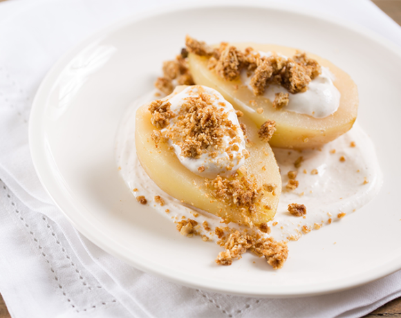 Poached pears with spiced yogurt